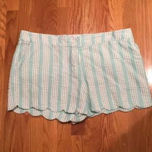 Crown & Ivy Mint and White Scalloped Shorts Sz. 16